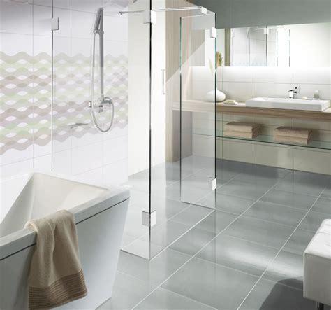 dusche und badewanne nebeneinander duschabtrennung aus glas glasduschen saxoboard net