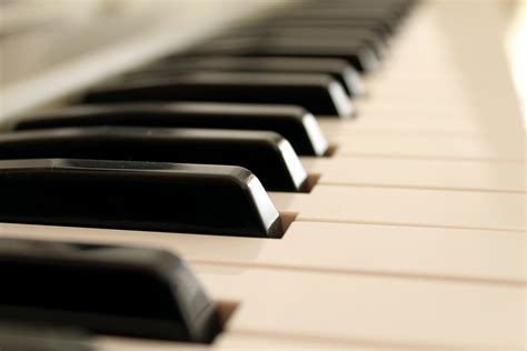 8 Simple Tips That Will Make You A Better Keyboard Playing