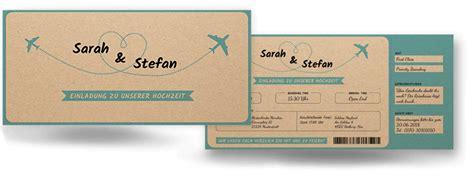 hochzeitseinladung vintage flugticket auf kraftpapier