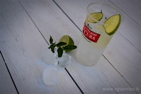 produttori bicchieri plastica produzione bicchieri monouso personalizzati