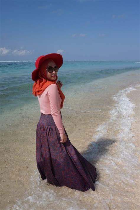 ide fashion  hijaber   liburan ceria musim panas  pantai dzargon