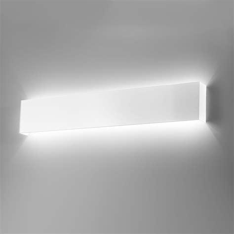 applique da parete a led applique led design moderno metallo laccato l 60 cm line