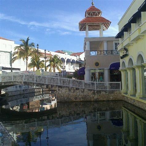 isla shopping village
