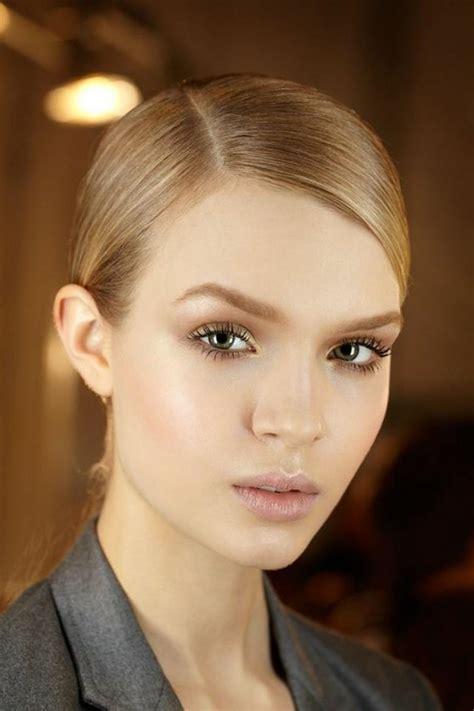 Rouge à lèvres Gloss Repulpant pour mettre en valeur vos lèvres en toute circonstances – Parapharmacie en ligne .