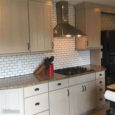 subway kitchen backsplash dos and don 39 ts from a diy subway tile