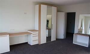Fernseher über Bett : die m bel der g stezimmer sind aufgebaut ~ Sanjose-hotels-ca.com Haus und Dekorationen