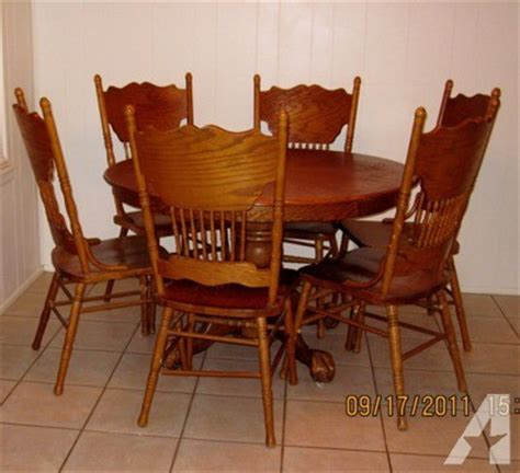 48 quot solid oak table eagle and claw and 6