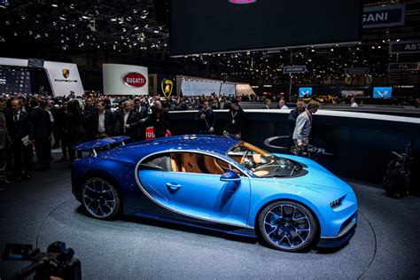 The chiron clocked a world highest 490kmph. 2018 Bugatti Chiron Review - Top Speed India