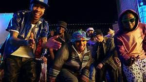 Watch Chris Brown - Loyal feat. Lil Wayne & Tyga on M3