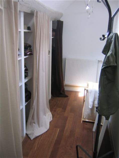rideau pour dressing sous pente dressing improvis 233 photo 2 2 de l autre c 244 t 233 du mur en tete de lit un