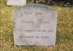Funny Halloween Tombstones Sayings by 50 Most Funny Tombstone Pictures That Will Make You Laugh