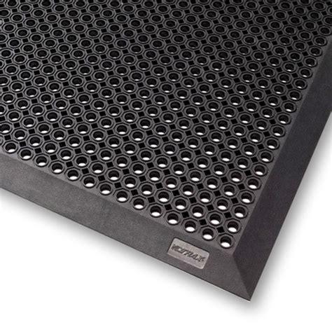 tapis caillebotis bord 233 caoutchouc naturel toflex b noir petits trous acces faciles 90 x 150