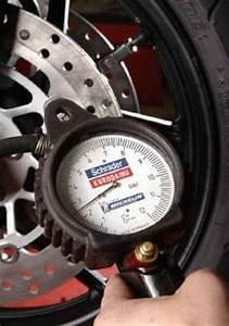 Pression Pneu Moto : pression pneus moto pression pneu moto sur enperdresonlapin ~ Medecine-chirurgie-esthetiques.com Avis de Voitures