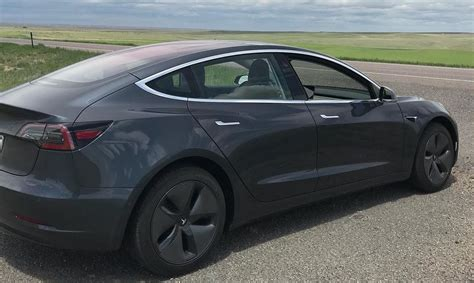 Tesla Model 3 Travels 515.7 Miles On Single Charge In