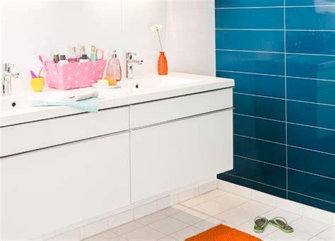 faux carrelage cuisine panneau mural rénover sa salle de bain à petit prix