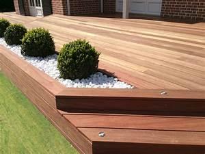 terrasse en bois exotique padouk galaxy jardin With jardin paysager avec piscine 5 terrasse en bois composite fiberon xtrem galaxy jardin