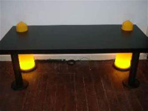 bureau de clerc bureau tafel met ingewerkte lichttoortsen interieurbouw