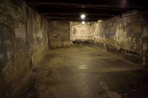 auschwitz chambre a gaz visite du c de concentration d auschwitz moi 233 l 233 on