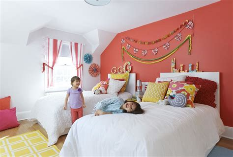 inexpensive and colorful kids bedroom ideas