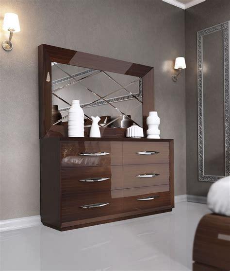 carmen walnut modern italian bedroom set  star modern furniture