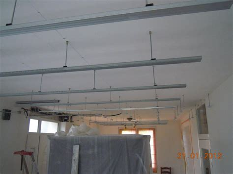 faux plafond cuisine design plafond pvc salle de bain 28 images pose faux plafond