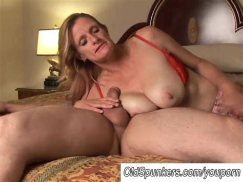 Mature Trailer Trash Sucks Cock Like A Pro Free Porn