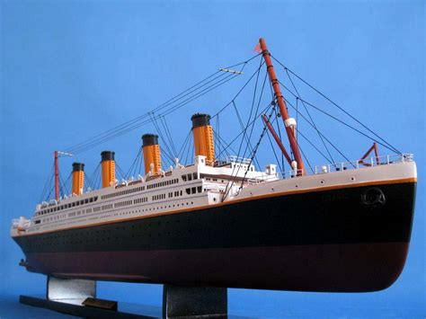 RMS Titanic Model - 40u0026quot; (Assembled)