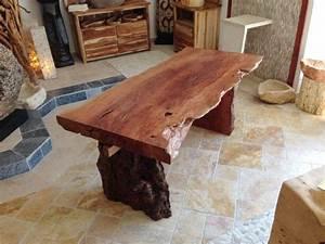 Tischplatte Mit Baumkante : tischplatte esstisch aus einer baumscheibe der tischonkel ~ Frokenaadalensverden.com Haus und Dekorationen