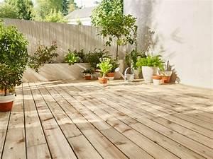 Comment Disposer Des Pots Sur Une Terrasse : pr parer l installation d une terrasse en bois castorama ~ Melissatoandfro.com Idées de Décoration