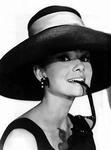 Audrey Hepburn Poster : wallpapers photo art breakfast at tiffany 39 s audrey hepburn photos posters ~ Eleganceandgraceweddings.com Haus und Dekorationen
