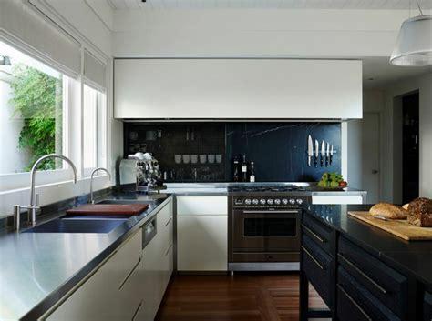 taille ilot central cuisine taille cuisine avec ilot central 8 placards cuisines