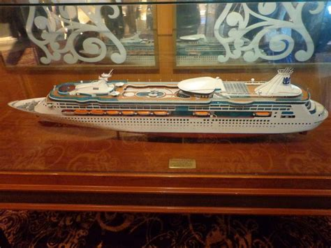 grandeur   seas itinerary current position ship