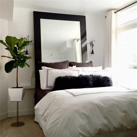 miroir dans une chambre tete de lit avec un miroir imahoe com
