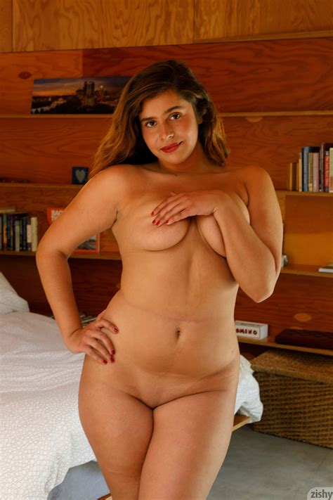 Curvy Sabrina Reyes