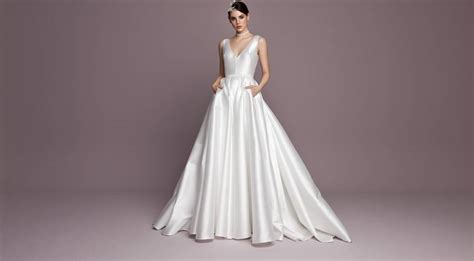 Fifteen Fabulous Wedding Dresses With Pockets