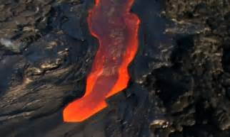 hawaii lava flows from erupting kilauea volcano