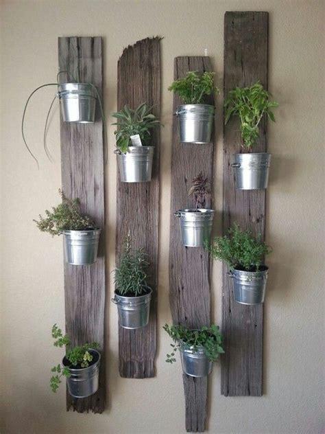 plante aromatique cuisine mini jardinières et pots d intérieur aux herbes aromatiques plantes intérieur et herbes