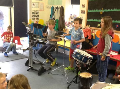 willow set pre school based in stoke st gregory 397 | Drumming