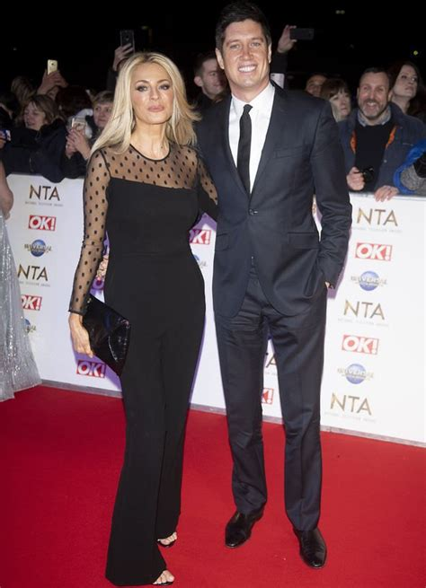 Vernon Kay tells wife Tess Daly to 'hurry home' amid I'm A ...