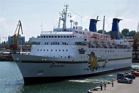 Average Salary Of A Cruise Ship Captain | Fitbudha.com