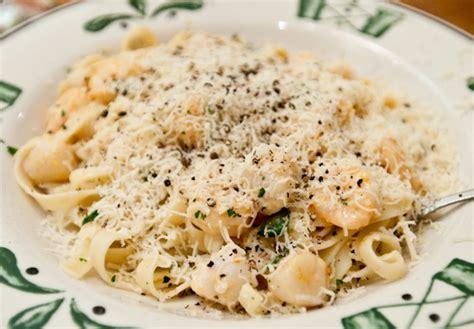 shrimp alfredo olive garden olive garden seafood alfredo recipe 7000 recipes
