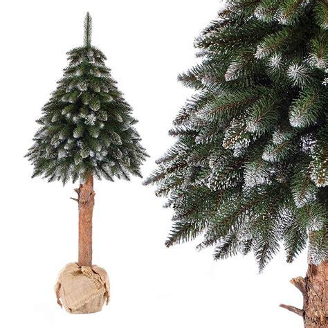 weihnachtsbaum kuenstlich mit schnee