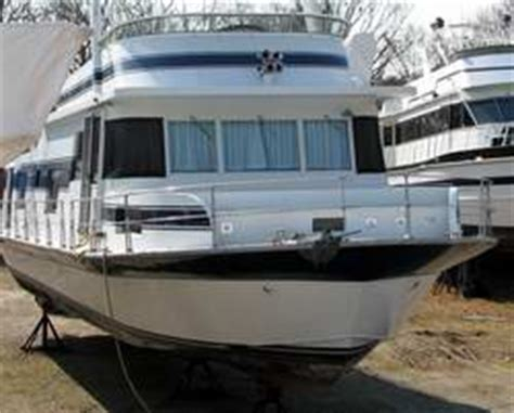 Houseboat Ocean by Is A Houseboat Suitable To Travel The Ocean