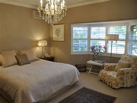 Bedroom Images Colour by Cool Brown And White Bedroom Color 2019 Ideas