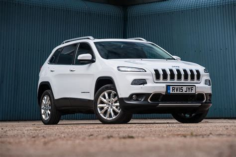diesel jeep cherokee jeep cherokee rewarded with new diesel engine with 185 hp
