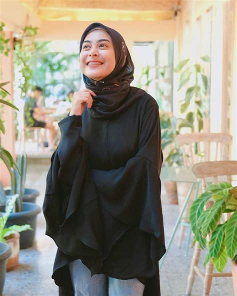 pin oleh sadiyahdy  dianty annisa gaya model pakaian gaya remaja model pakaian