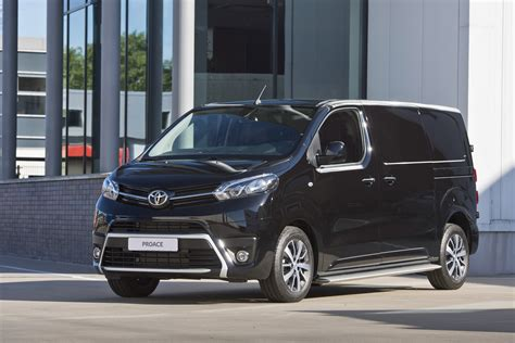 Toyota Of The Black by Foto S Black Platinum Versies Toyota S Hilux En
