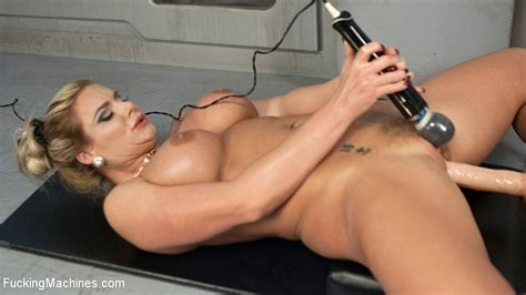 Phoenix Marie Busty Is Fucking Sex Machine And Gets