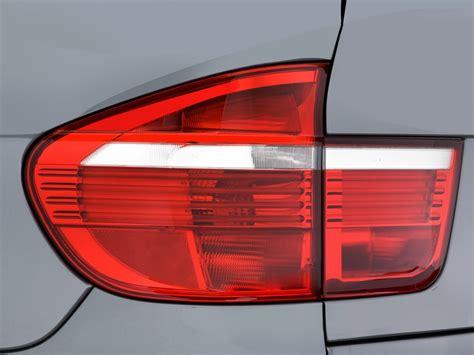 image  bmw  series awd  door  tail light