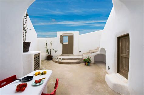 Cycladic Charm and Cheerful Chic: the Small Architect's
